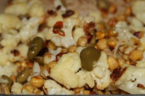 Chickpeas & Cauliflower