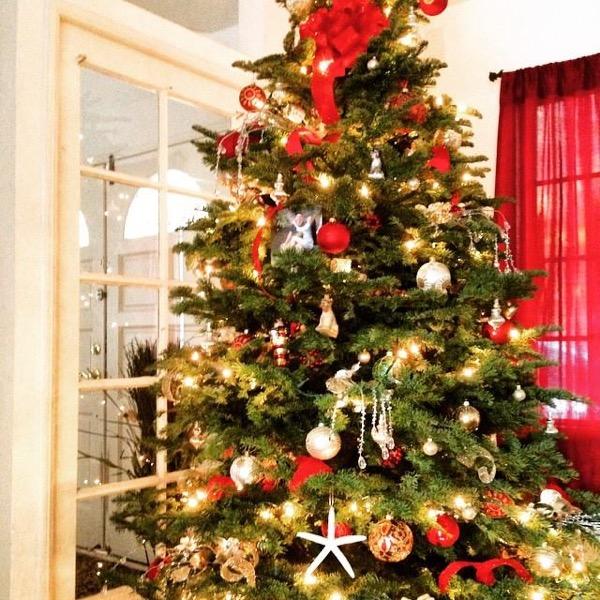 Vintage Classic Christmas Tree